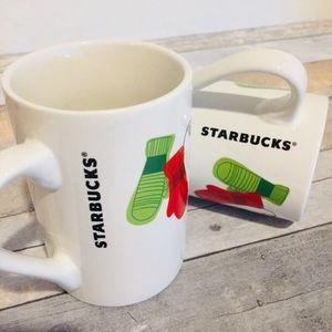 Starbucks Christmas Holiday Mugs   Set of 2